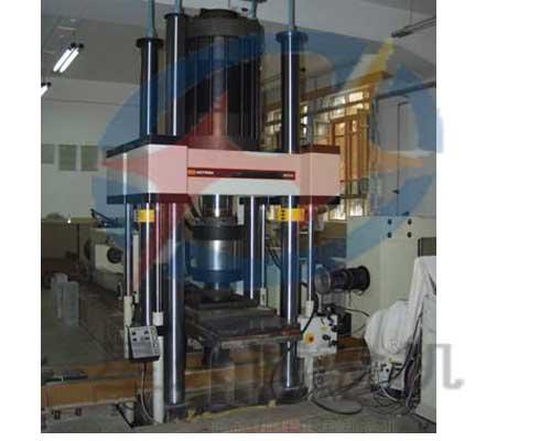 电液伺服岩石三轴压缩试验机